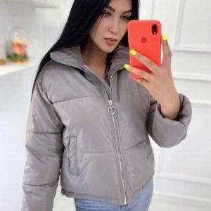 Заказать серую куртку из эко-кожи женскую на холофайбере дешево