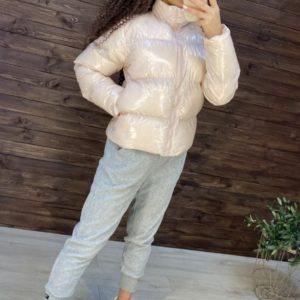 Заказать на осень/зиму беж глянцевую куртку на змейке для женщин по низким ценам
