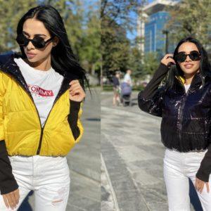 Купить желтую/черную короткую двустороннюю куртку с трикотажными рукавами выгодно женскую
