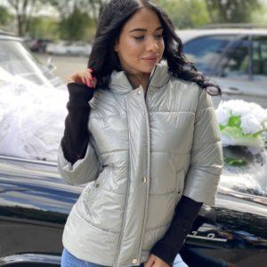Заказать женскую куртку серого цвета на зиму на змейке с укороченным рукавом в Украине