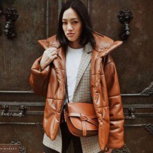 Заказать коричневого цвета кожаную куртку на подкладке с утеплителем выгодно для женщин
