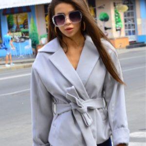 Приобрести серое кашемировое пальто-пиджак с карманами и поясом для женщин выгодно