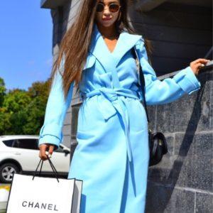 Купить голубое кашемировое пальто с пелеринкой и поясом для женщин на осень онлайн