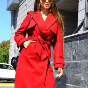 Приобрести женское кашемировое красное пальто с пелеринкой и поясом по скидке