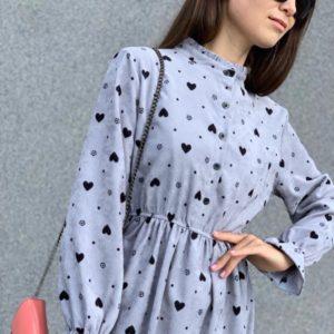 Купить голубое женское вельветовое платье с длинным рукавом с сердечками на осень по скидке
