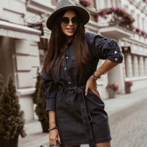 Купить черное джинсовое платье с длинным рукавом и поясом для женщин на осень недорого