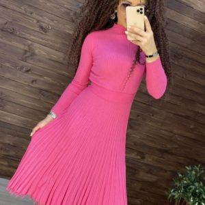 Заказать розовое трикотажное платье машинной вязки женское с плиссировкой в Украине