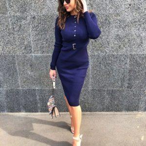 Купить женское синего цвета трикотажное платье рубчик с поясом по скидке