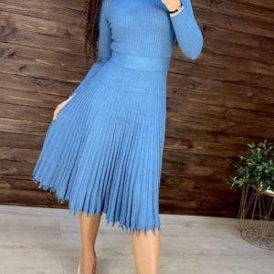 Приобрести голубое трикотажное платье машинной вязки для женщин с плиссировкой онлайн