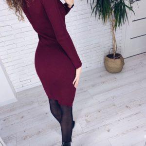Заказать винное женское трикотажное платье в рубчик с длинным рукавом онлайн