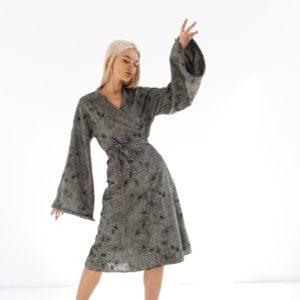 Приобрести серое шерстяное платье с вышивкой (размер 42-52) для женщин выгодно
