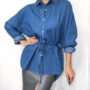 Заказать синюю женскую джинсовую рубашку свободного кроя с тонким поясом (размер 44-48) онлайн