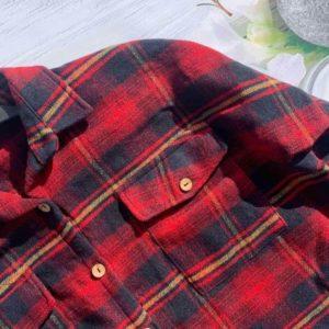 Купити червону байкову сорочку з кишенею в клітку вигідно для жінок на осінь