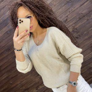 Заказать молочный свитер хлопковой вязки женский со спущенной линией плеча онлайн