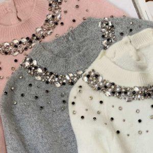 Заказать женский серый, белый. пудра свитер из ангоры с камнями на осень и зиму по скидке