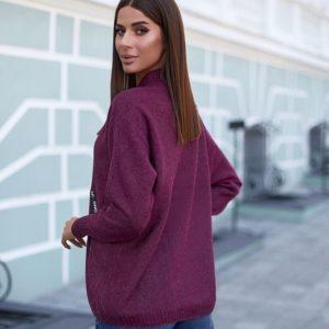 Купить сиреневого цвета свитер оверсайз для женщин из кашемира по скидке