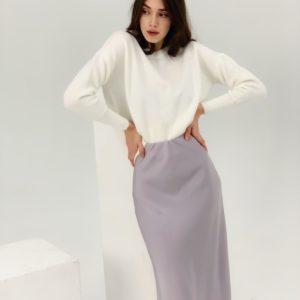 Придбати жіночу бузкового кольору шовкову спідницю довжини міді (розмір 42-48) по знижці