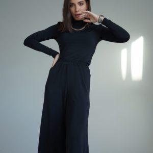 Заказать черный костюм: брюки свободного кроя + гольф (размер 42-54) для женщин выгодно