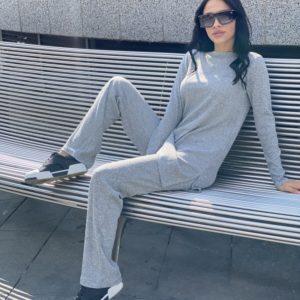 Купить светло-серый прогулочный костюм для женщин рубчик с туникой по скидке