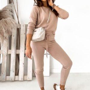 Заказать вязаный костюм: джемпер+зауженные штаны для женщин пудра дешево