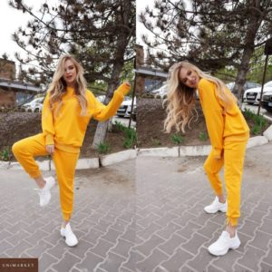Купить желтый спортивный костюм из трехнити: штаны+свитшот (размер 42-50) онлайн для женщин на осень