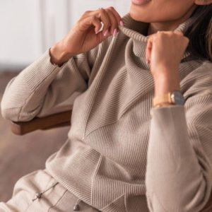 Заказать цвета мокко женский на осень вязаный костюм из ангоры со структурным свитером недорого