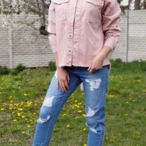 Купити пудра джинсовку вільного крою з необробленим краєм для жінок вигідно