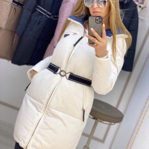 Купить белую длинную куртку на змейке с поясом (размер 42-50) недорого для женщин