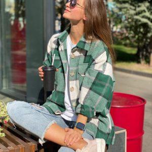 Замовити зелену подовжену фланелеву жіночу сорочку в клітку з поясом недорого