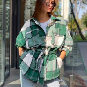 Придбати зелену подовжену фланелеву сорочку в клітку з поясом для жінок по знижці