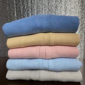 Заказать голубой, синий, серый, песочный, пудра свитер оверсайз с расклешенными рукавами для женщин выгодно