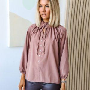 Купити жіночу кольору мокко ніжну блузку з зав'язкою (розмір 42-56) недорого