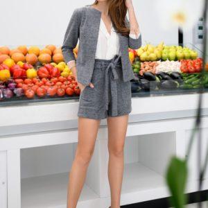 Купити сірий костюм для жінок з повстяного кашеміру з додаванням вовни: жакет + шорти (розмір 42-56) по знижці