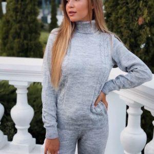 Заказать серый прогулочный женский костюм вязаный с шерстью онлайн