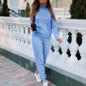 Приобрести голубой по низким ценам прогулочный костюм вязаный с шерстью женский