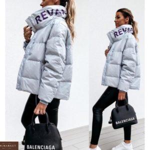 Заказать серую лаковую женскую куртку с надписью на воротнике (размер 42-52) недорого