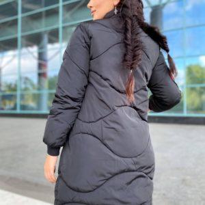 Приобрести женскую зимнюю куртку на змейке на холлофайбере (размер 48-50) черного цвета недорого