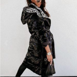 Заказать черный односторонний пуховик для женщин на синтепухе (размер 42-52) онлайн