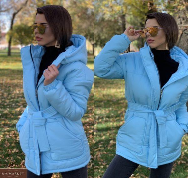 Приобрести голубую для женщин зимнюю куртку с капюшоном и накладными карманами по скидке
