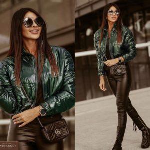 Заказать зеленую короткую женскую куртку с утеплителем из плащевки в Украине