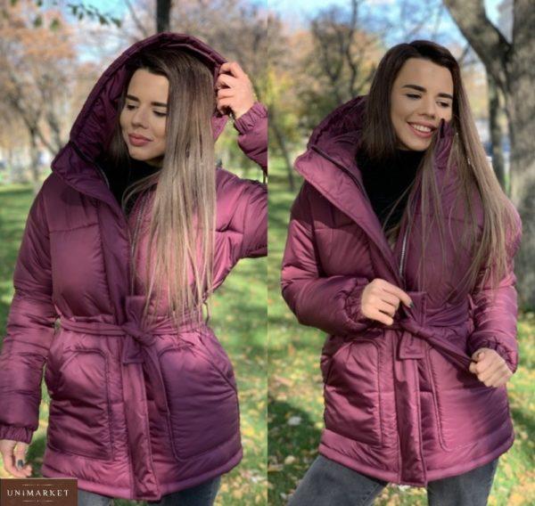 Купить малиновую зимнюю куртку с капюшоном и накладными карманами женскую дешево