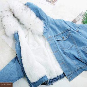 Замовити білу зимову джинсовку на хутрі з капюшоном для жінок дешево