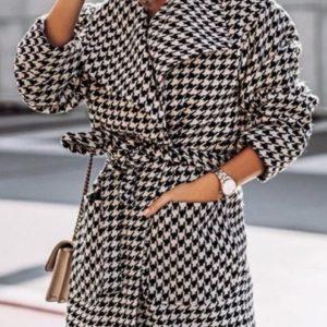 Купить женское пальто-халат из шерсти с кашемиром (размер 42-52) черно-белого цвета недорого