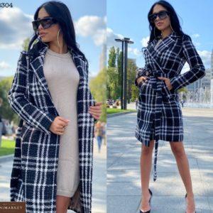 Приобрести черно-белое пальто в клетку на подкладке с поясом для женщин дешево