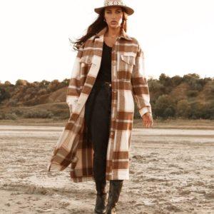 Купить женское пальто в клетку свободного кроя в интернете цвета беж