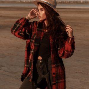Придбати жіночу пальто oversize у вигляді сорочки в клітку в інтернеті червоного кольору