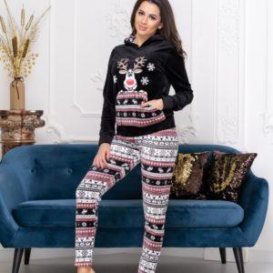 Заказать черную для женщин теплую пижаму с оленем из велюра (размер 42-48) по скидке