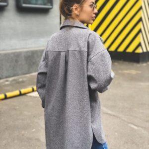 Заказать серого цвета по низким ценам удлиненную рубашку из шерсти (размер 42-52) женскую
