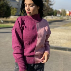 Заказать сиреневый свитер для женщин двух цветов под горло с шерстью (размер 42-48) онлайн