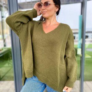 Заказать хаки женский свитер оверсайз с V-образным вырезом (размер 42-56) по низким ценам
